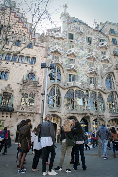 Our guide explaining Antoni Gaudi and the history of Casa Batllo on the Gourmet Gaudi Tour in Barcelona