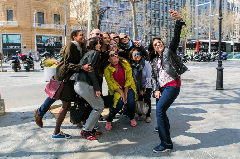 Having fun on a private tour barcelona -group photo with wanderbeak tours in Barcelona