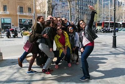 barcelona private tour groups & corporate team building fun - taking a selfie in barcelona with wanderbeak tours