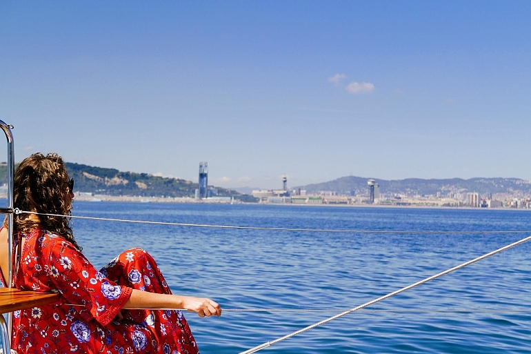 experience beautiful views sailing barcelona on a sail to lunch boat trip barcelona